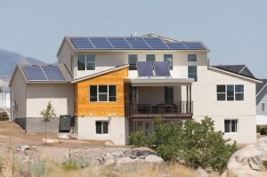 This 'Smart Home' Makes More Power Than It Consumes