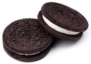 English: Double Stuf Oreos, by Nabisco.