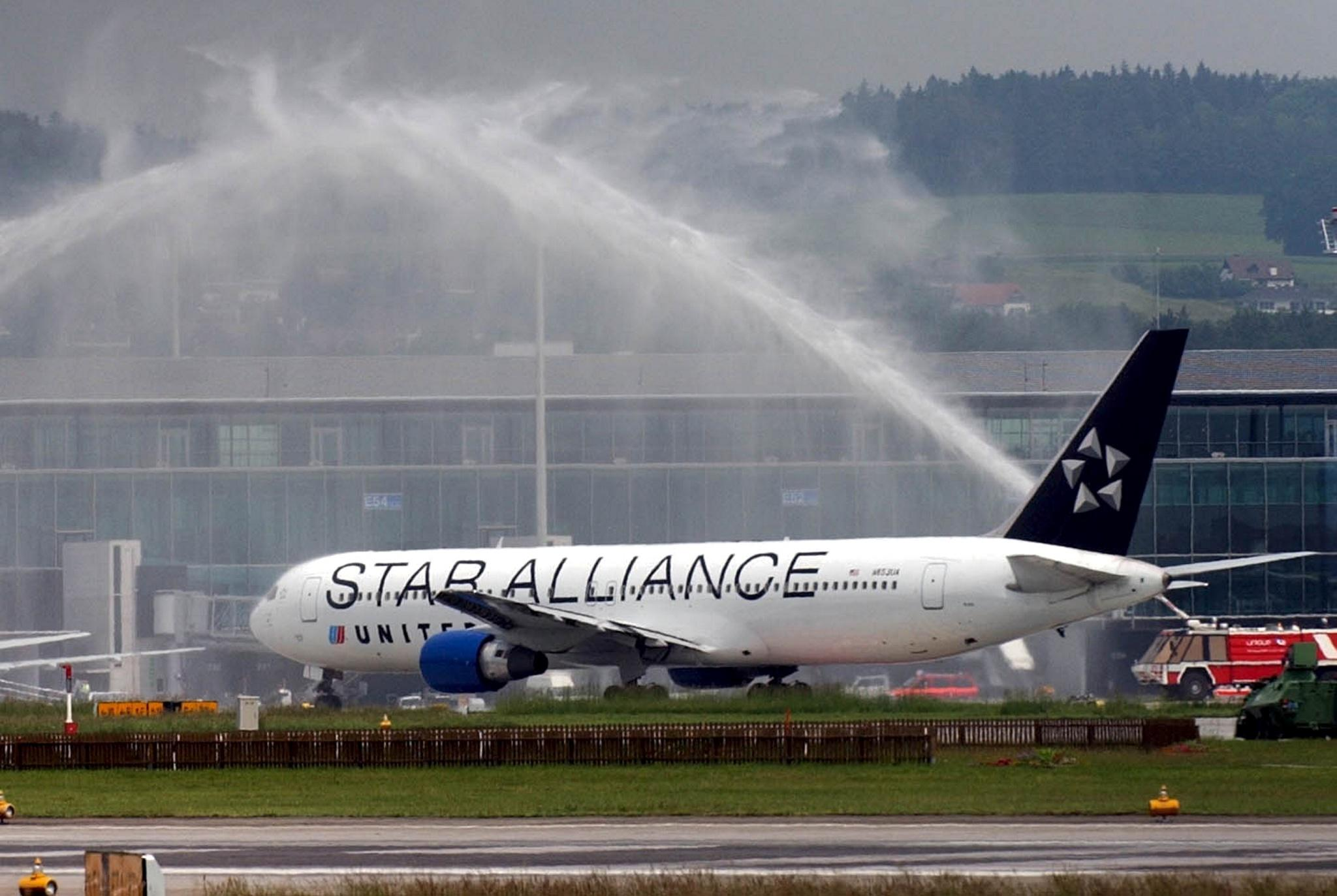 Starting February 1, 2014, United MileagePlus members are going to need a lot more miles to fly business or first class on a Star Alliance partner. (credit: AP Image)