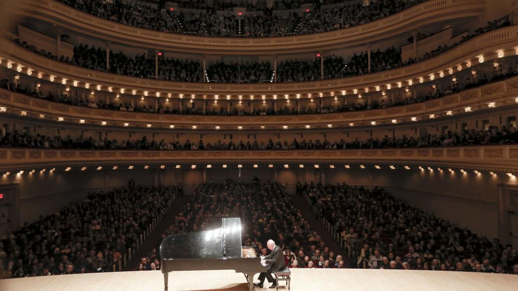 Maurizio Pollini playing in Carnegie Hall April 21, 2013