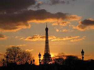 English: Tour Eiffel at sunset. View from the ...