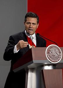 Newly-sworn in Mexican President Enrique Pena ...