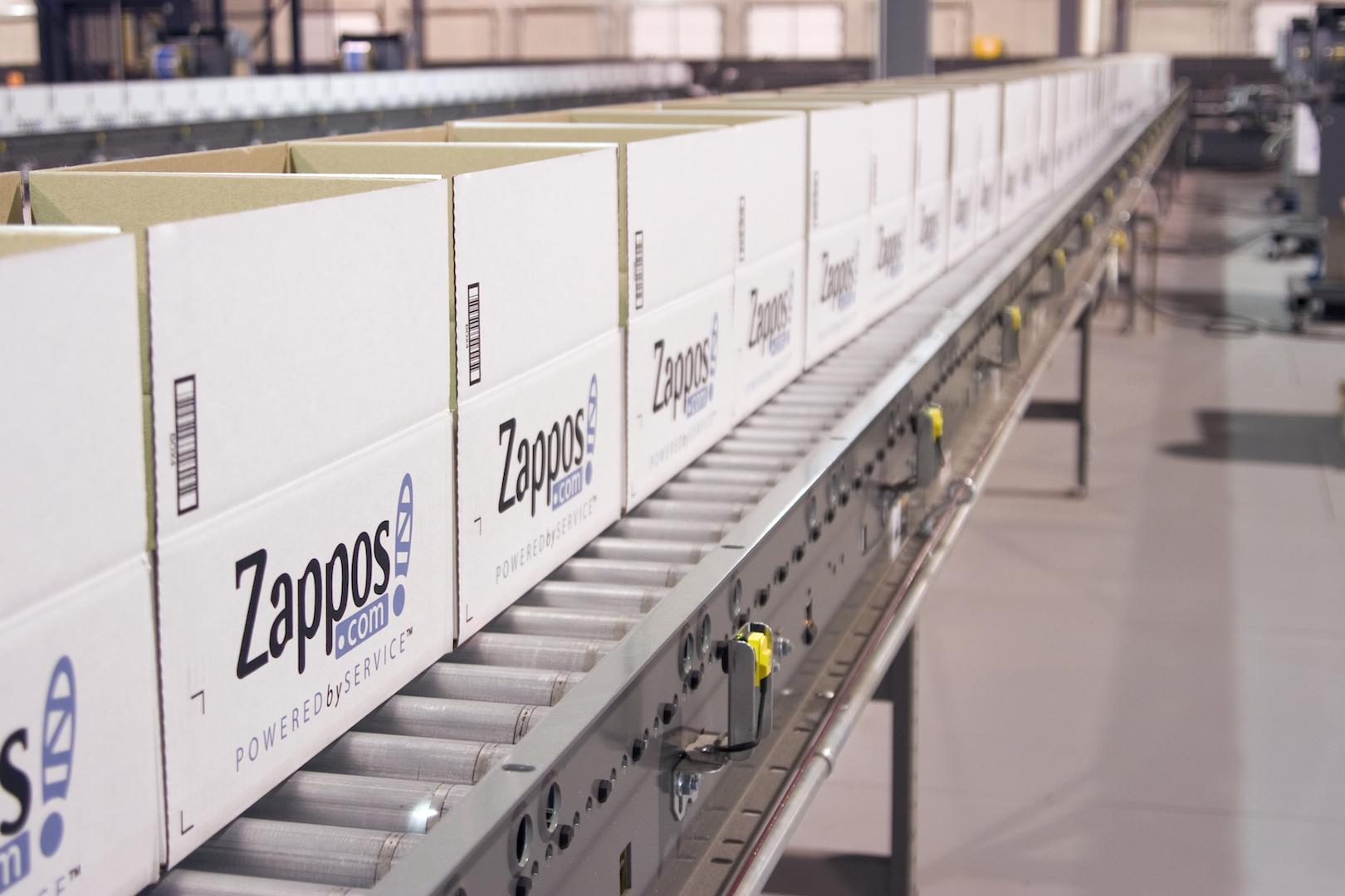 How zappos saved christmas when a third of retailers for Self magazine customer service