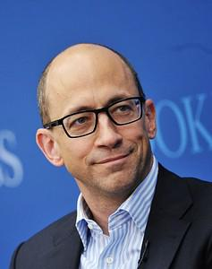 Twitter CEO Dick Costolo speaks during a discu...