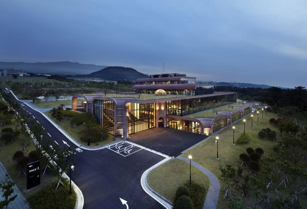 Daum Communications' new headquarters currently occupy the largest plot within Jeju Science Park and is expected to expand outwards in the future. (Image credit: Yong-Kwan Kim)
