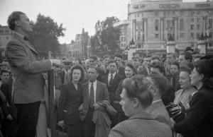 Satirical poet Michael Clifton reciting a poem at Speakers Corner in 1948 in London's Hyde Park. Photo: Kurt Hutton-Getty Images