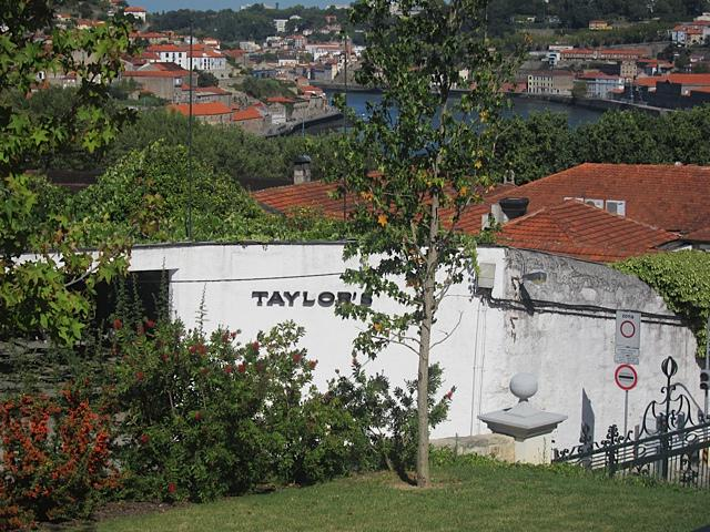 The Taylor lodge right next to the hotel gates, overlooking the Douro