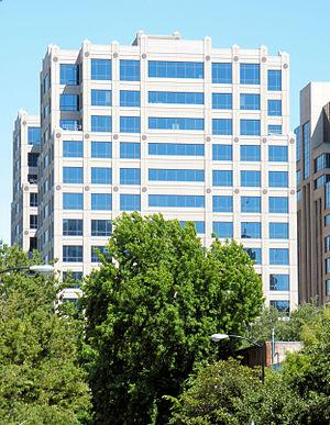 English: This office building in Sacramento, C...