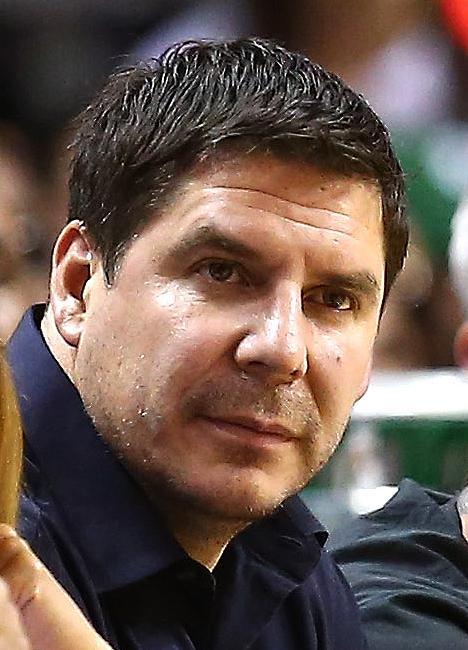the life and work of marcelo claure Marcelo claure, founder of miami global communications juggernaut brightstar known for high-profile ventures with soccer star david beckham, technology guru nicholas negroponte and actress jennifer lopez, will soon take on a new challenge: leading the publicly-traded sprint corp.