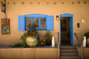 Canyon Road gallery, photo courtesy Santa Fe Convention and Visitors Bureau, Douglas Merriam
