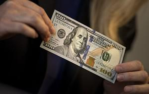 A view of a the new 2009 series $100 bill Octo...