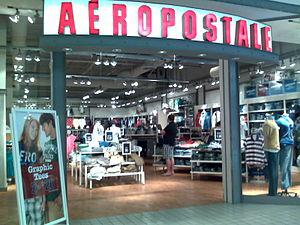 English: Aéropostale store in Monmouth Mall, N...