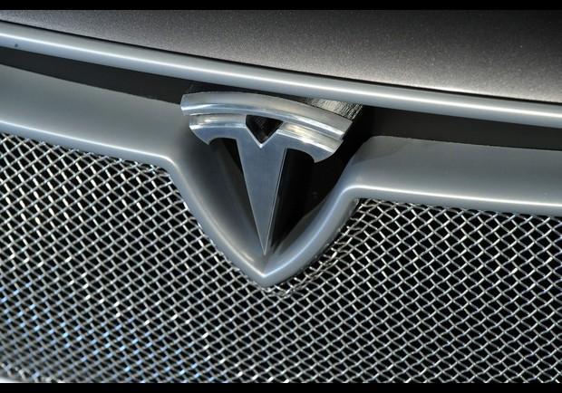 Tesla Model S Pg 16