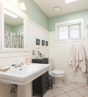 6 elements of a perfect bathroom paint job for Bathroom ideas with wooden panels