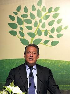 Former US vice-president Al Gore delivers a sp...