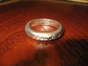 English: Replica of the One ring from The Hobb...