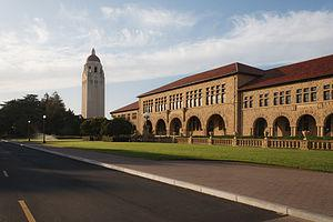 English: Hoover Tower and McClatchy Hall, Stan...