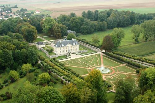 Versailles in a glass champagne laurent perrier 39 s royal for Louis jardin wine