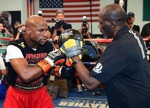 Floyd Mayweather To Get Record $41.5 Million Guarantee For Canelo Alvarez Fight
