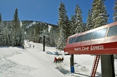 It is also directly linked to the nearly 100 trails of the Northstar California ski resort.