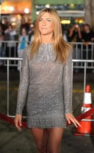 Actress Jennifer Aniston arrives on the red ca...
