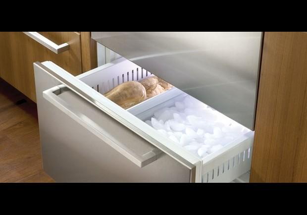 Sub-Zero Freezer Drawers - pg.22