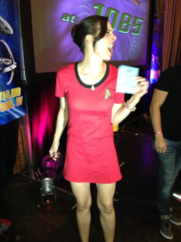 Star Trek Las Vegas Takes 2013 World Record For The Most People Dressed Up In Star Trek Costumes