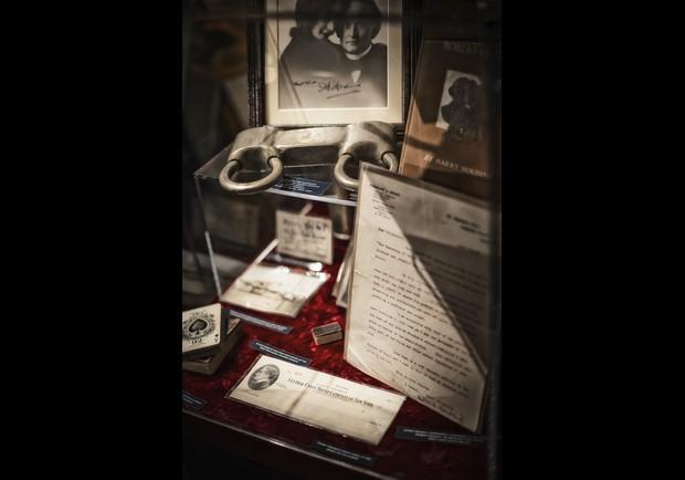 Harry Houdini Memorabilia Pg 11