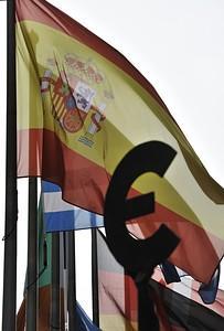 As Spain Falters, Spaniards Look to Latin America