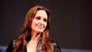 Should You Request The Genetic Test That Angelina Jolie Opted For?