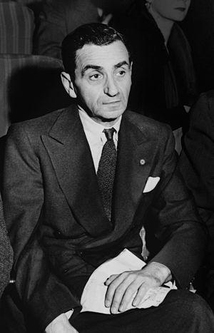 English: Irving Berlin, from a larger photo of...