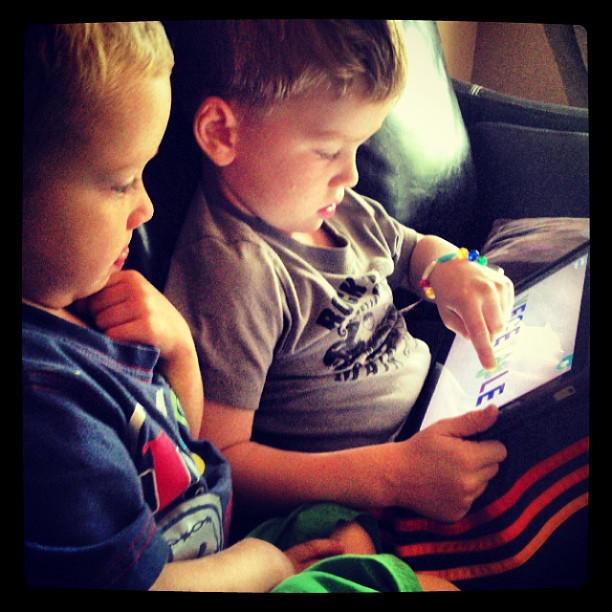 What Is The Right Age To Introduce Your Kids To Mobile Technology?
