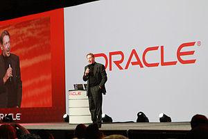 English: Larry Ellison lecturing during Oracle...
