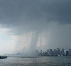 English: Rain over the Hudson River with the M...