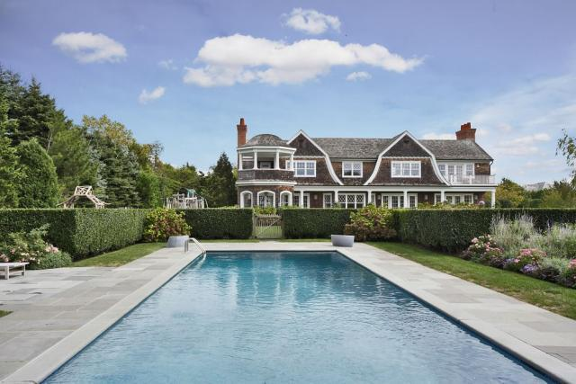 Jennifer lopez buys 10 million mansion in the hamptons - Maison de jennifer lopez ...