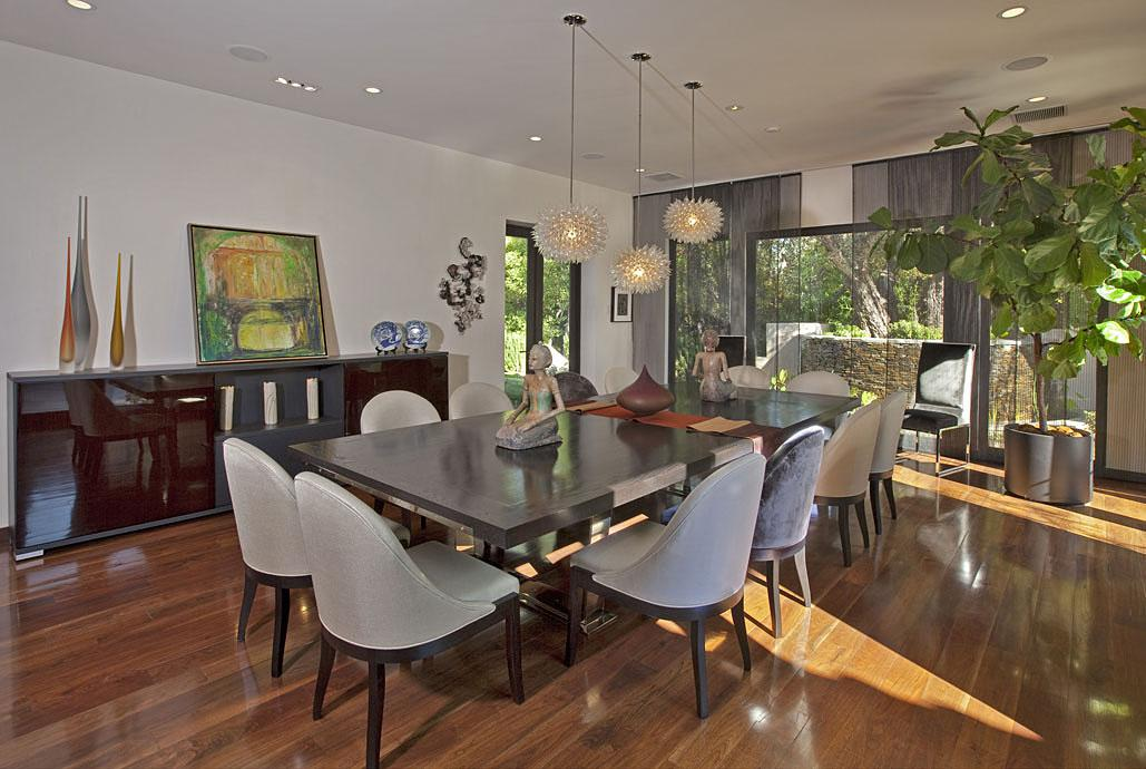 A modern, formal dinning room -- perfect for entertaining all his musical guests.