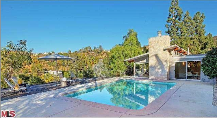Tennis Champion Venus Williams Lists Los Angeles Pied A
