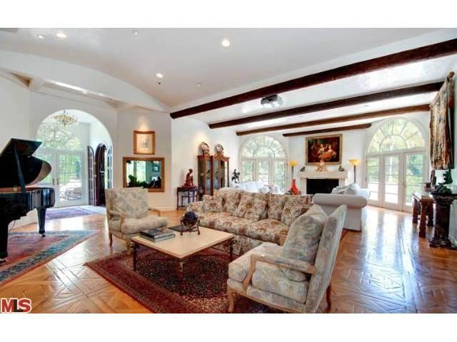Sold Arnold Schwarzenegger S Former Home And Place Of Affair