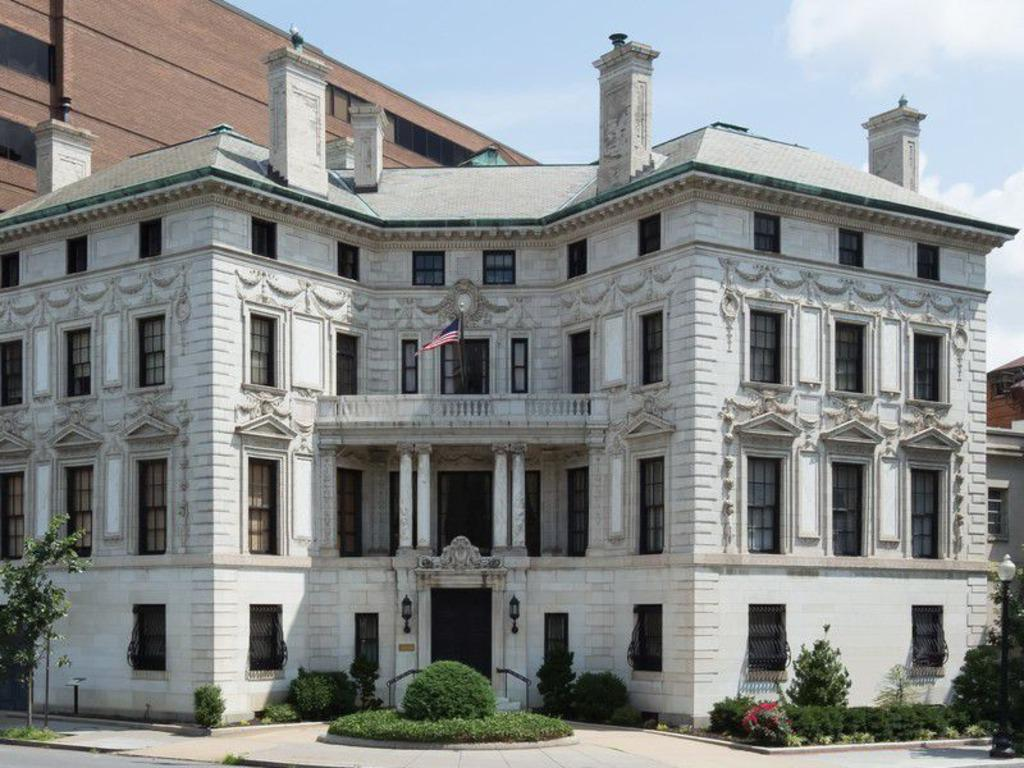 For sale dc mansion occupied by president calvin coolidge for Dupont house