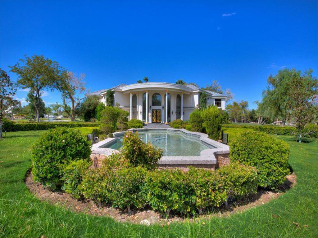 Wayne Newton S Former 36 Acre Ranch Listed For 70 Million