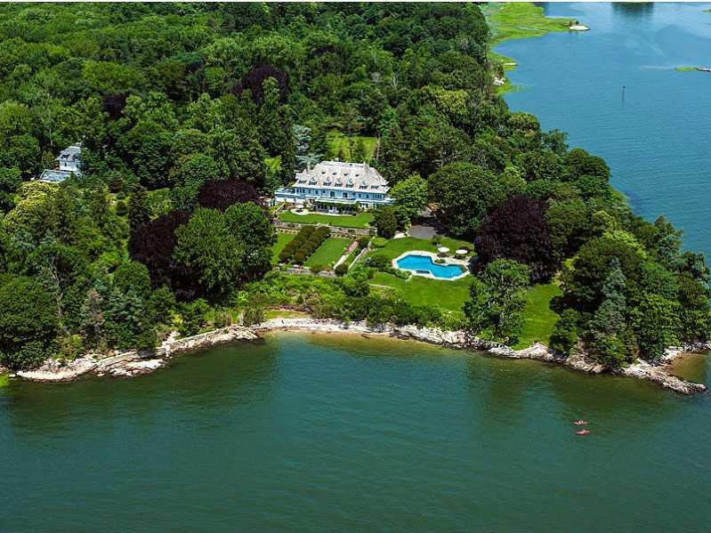 Kim Kardashian Kanye West Sell Bel Air Home 17 8m as well Big Luxury Home Design further Hect C3 A1rea moreover How Big Is A Hectare A Better Way to Visualize The Size furthermore Sunreef Yachts Presented Concept Of Mega Power Trimaran. on how big is 10000 square feet