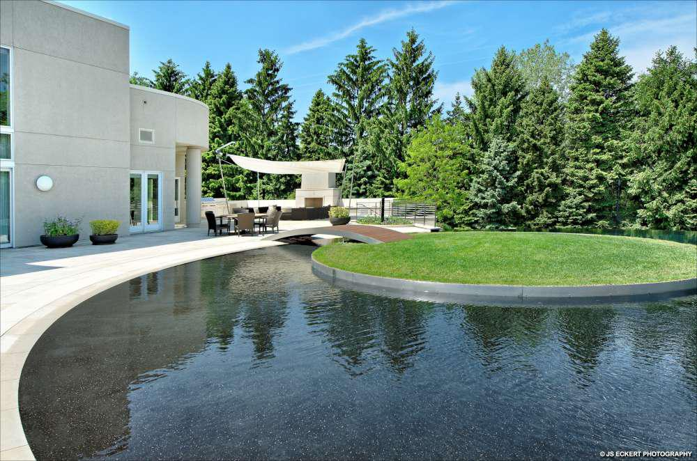 Michael jordan 39 s chicago home up for auction for Homes up for auction