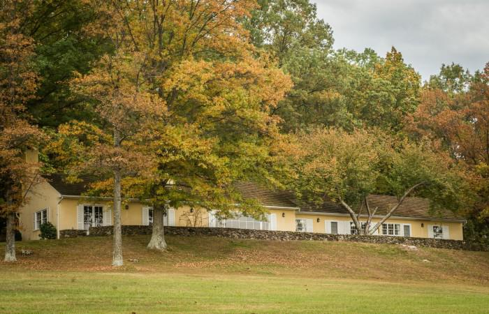 Jackie and john f kennedy 39 s horse country estate for sale for Glen ora middleburg va